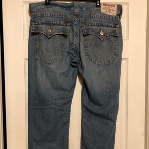 TRUE RELIGION SKINNY JEANS SIZE 38 in great shape